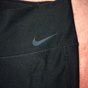 Nike Cropped Leggings